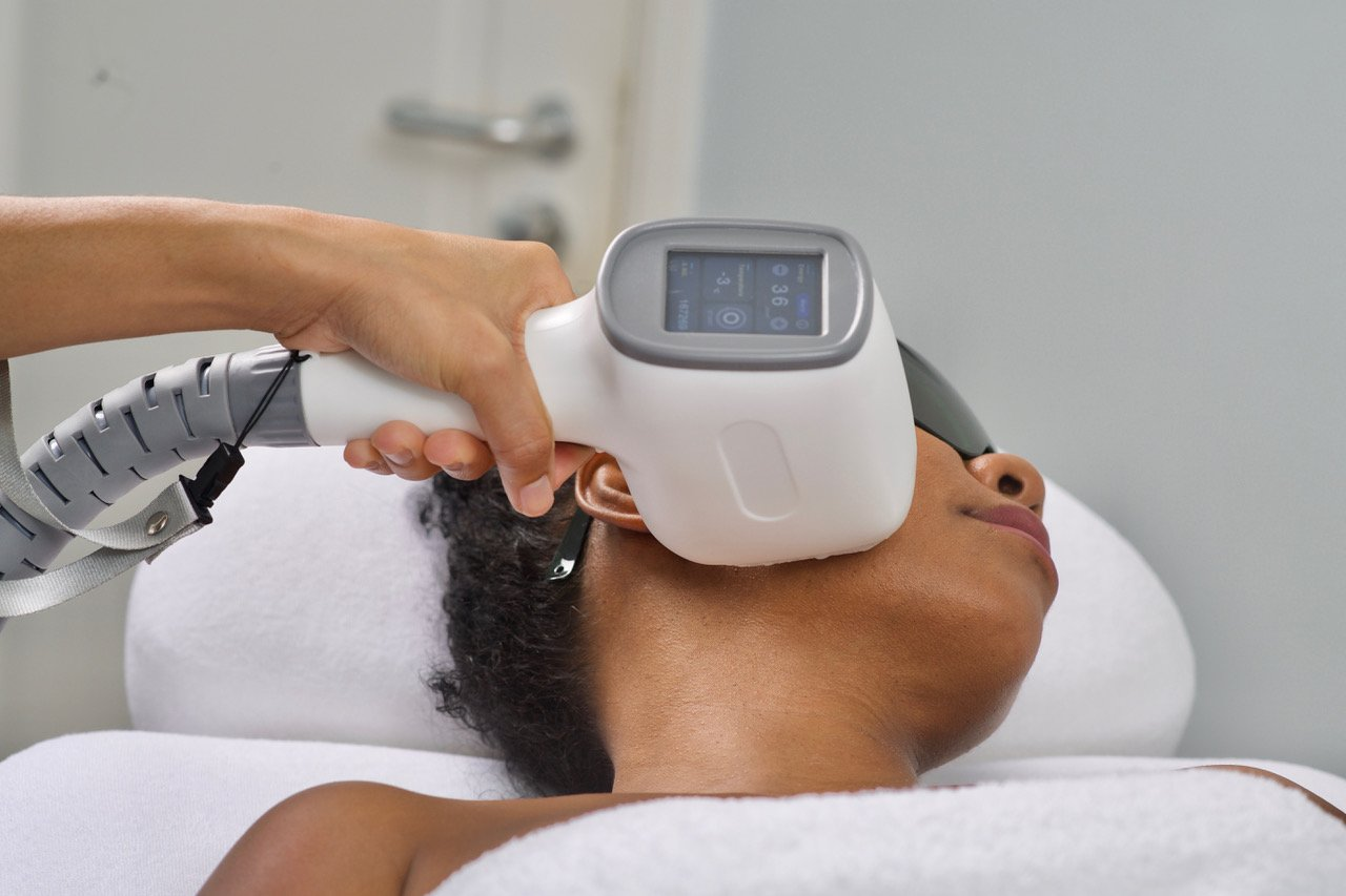COSMETIC CENTER CURACAO DIODE LASER